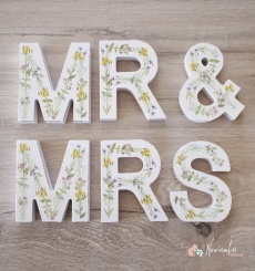 Letras Mr And Mrs floreadas